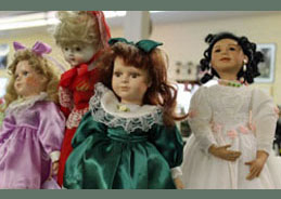 Dolls-Green-Web